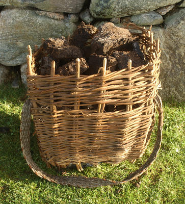 Cliabh (Peat basket)